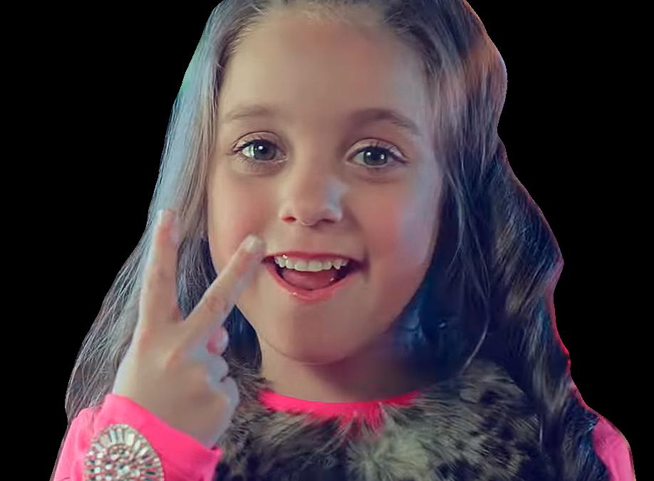 La pequeña cantante venezolana que tuvo a Julián Gil en su nuevo video